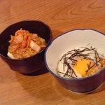 お好み焼き たいこや - 料理写真:納豆キムチ豆腐  280円/長いも月見納豆  380円