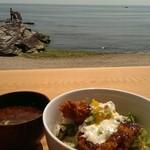 ライオン食堂 - 料理写真:伊勢湾を眺めながら頂いた、大あさり丼☆900円♪