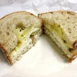 51318611 - 4種のチーズサンド 600円+税