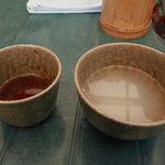 5132989 - 食後にいただいた蕎麦湯です。(左手の大き目の湯のみ)