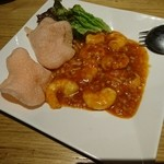 喜神菜館 - 海老のチリソース980円