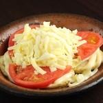 実 - ポテトとトマトのチーズ焼
