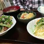 51327645 - レバニラ炒め定食730円