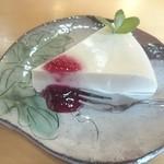 カフェ 紅葉 - 噂の豆腐レアチーズ
