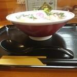 麺中夢中 - 器は懐かしの丼