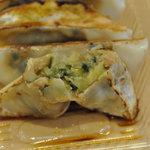 和風あん餃子夏目家 - ラードを使わず片栗粉を使った独特の餡 私は、生焼けっぽく感じました。