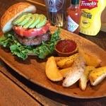 BURGER CAFE & RESTAURANT シュビドゥバー - ALTバーガー+フラポセット