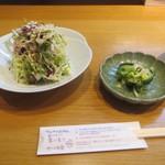 おかめ食堂 - サラダと漬物