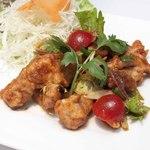 鶏から揚げのサラダ~ヤムガイクローブ~
