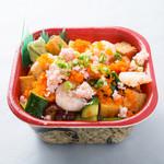 北海丼丸 - 人気No3!バラ丼!ネタが細かく切られているので、食べやすいです!