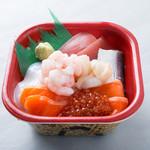 北海丼丸 - 人気No1!海鮮丼!定番のネタが7種類のって満足な一品です!