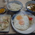 はしもとや - 2016.05 マイ朝定食(ポテサラ、目玉焼き、とん汁、ごはん小)