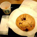 スターバックス・コーヒー - とろ~りチョコが楽しめるクッキー♪