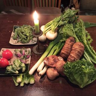 京都から届く野菜と、一頭買いの高級近江牛をご堪能下さい。