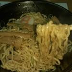 8番らーめん - 唐麺(紅しょうが抜き、まぜ後)