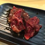 徳川ホルモンセンター 大須店 - 穀物牛 さがり 320円
