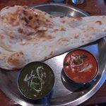 インドネパール料理 ナンカレーハウス - ナンカレーハウスセット1280円 ナンバージョン