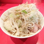ラーメン二郎 - 小ラーメン+野菜チョイ増しにんにく辛め