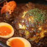 オニオン座 - 特製チキンカレー+半熟酢たまご