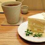 お菓子と喫茶 Dodo - パインショートケーキ 400円