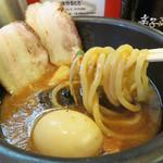 博多元助 - 特製つけ麺950円。 いわゆる『トッピング全部のせ』スタイルです。
