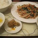 5136982 - モヤシと豚肉の細切り炒めランチ
