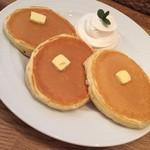大宮ブランカフェ - 料理写真:最幸のバターミルクパンケーキ☆プレーン