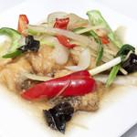 白身魚とセロリの炒め~プラーパックンチャイ~