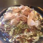 Takarabune - 超激辛ソース、マヨネーズ、鰹節、青海苔、魚粉、一味をたっぷり!