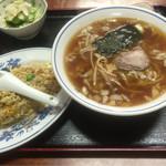 精養軒 - 炒飯セット¥600に+¥50で麺小→並。