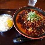 節系とんこつらぁ麺 おもと - トマト担々麺:大盛り+半ライス