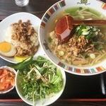 台湾 同客餃子館 - 台湾拉麺と魯肉飯