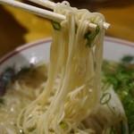 51382238 - 麺は細麺