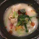Gyouzanabeachankitashinchi - 餃子鍋Withラー油