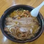 公園茶屋 国界 - ピリ辛チャーシュー麺
