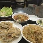 萬家餃子房 - 餃子定食+麻婆豆腐+炒飯or白飯