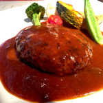 トミーグリル - 葡萄牛のハンバーグステーキ980円