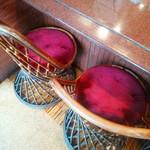 亜米利館 - レトロな椅子