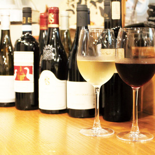 ソムリエ厳選ワインをご用意しております。