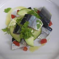 ラ ベルベーヌ - スモークしたサンマのマリネと水ナスのサラダ