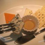 51412325 - hiro:チーズの盛り合わせ