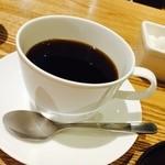 京都 つる家 茶房 ヒルトンプラザイースト店 - セットドリンクのコーヒー 400円(外税)