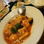 柊家 - 料理写真:エビイカナスチリソース煮定食(日替わり