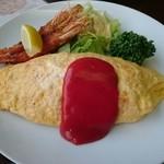 みどり豆 - 料理写真:竹の子のオムライスセット(1000円) オムライス・サラダ・エビフライのワンプレート