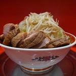 ラーメン タロー 五反田の陣 - 大ラーメン豚入り(ヤサイ)