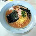 ラーメンショップ - 料理写真:ラーメン(中) 8%込650円