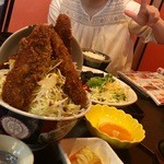 やまなみ - 鮎丼と黒から揚げ