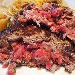 51434502 - ランチ ワンプレート 2500円 のステーク アッシュ ~粗挽き熟成肉をレアに焼き上げた一皿~