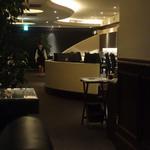 キーウエスト - 静かでオシャレなレストランバー