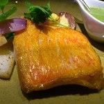 AGORA - 金目鯛のポワレ バジルのソース
